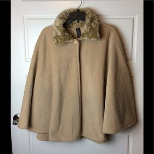 East 5th Fleece Cape. Size: One Size